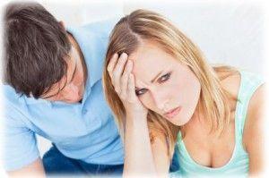5 Errores Incómodos que Cometen las Parejas con los Solteros