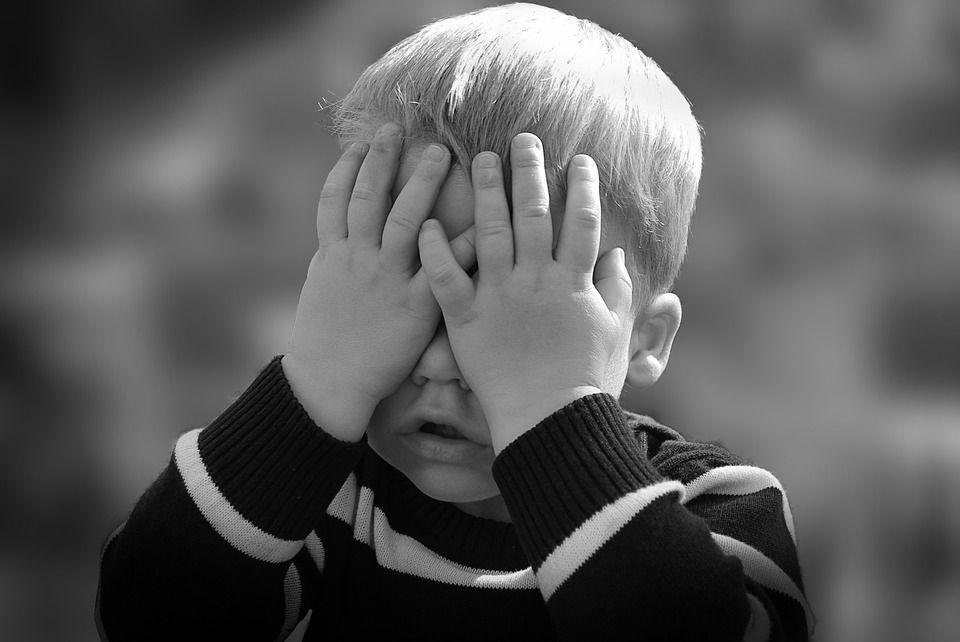 El hábito de MORDER en niños