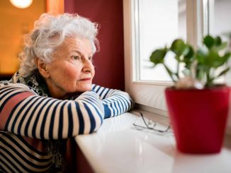 aislamiento social por perdida auditiva